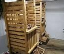 Ящик для картошки: как сделать своими руками для хранения клубней, например, на балконе или в подвале, а также можно ли класть овощ в пластмассовые контейнеры